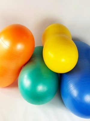 A guide to buying the correct Peanut Ball and the Benefits of Therapy Balls